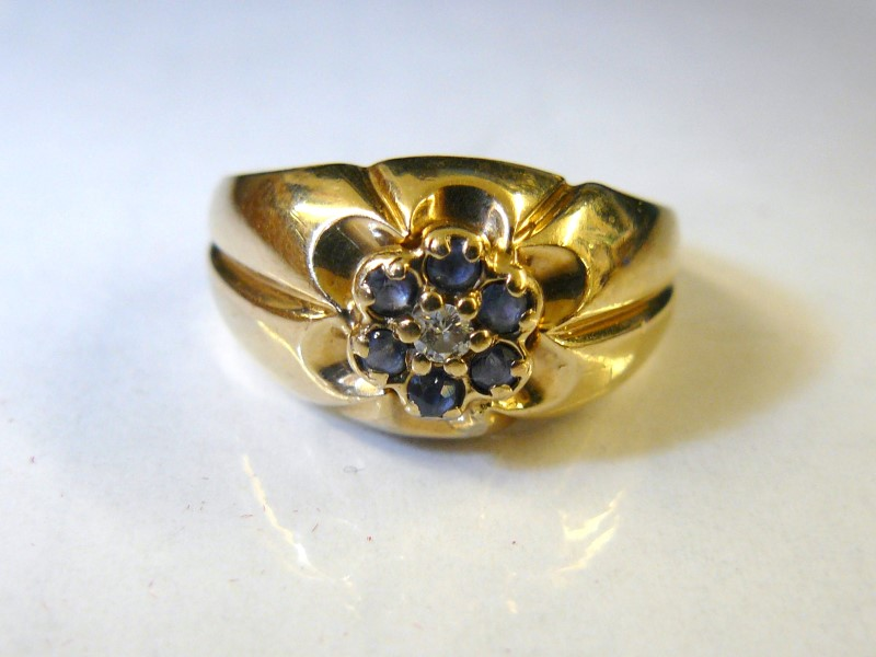 Sapphire Lady's Stone & Diamond Ring .05 CT. 10K Yellow Gold 3.4dwt Size:8.5
