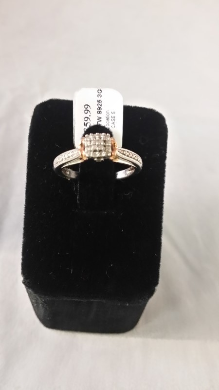 Lady's Silver-Diamond Ring 20 Diamonds .20 Carat T.W. 925 Silver 3g