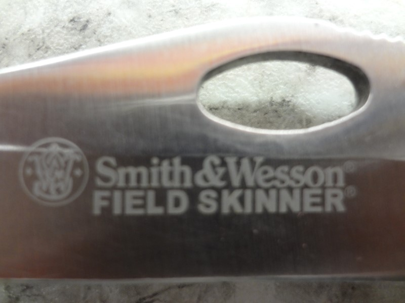 SMITH & WESSON CK201 FIELD SKINNER GUT HOOK KNIFE NO CASE