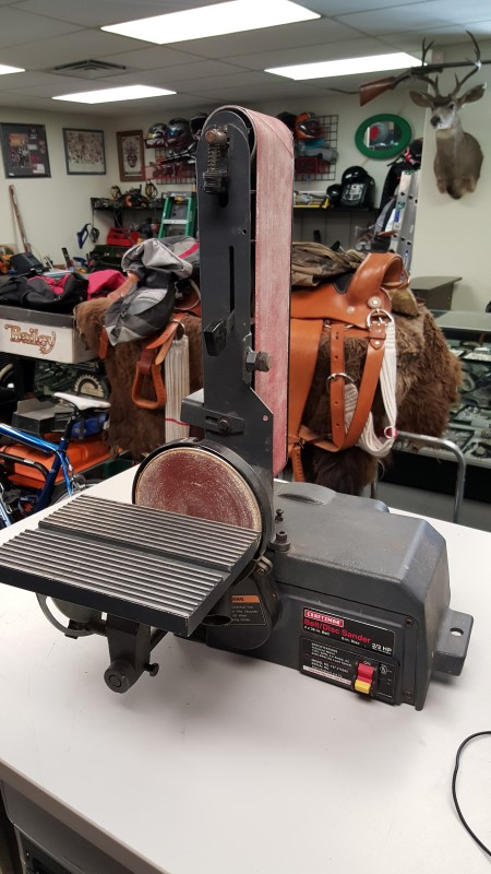 CRAFTSMAN Belt Sander 137.215360