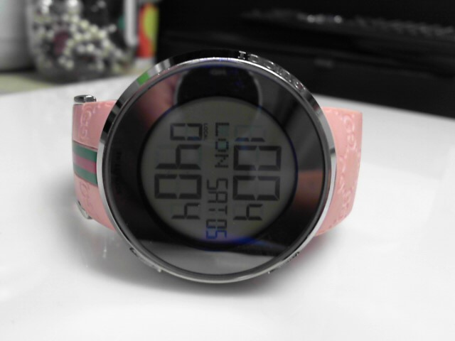 GUCCI DIGITAL QUARTZ PINK RUBBER STRAP 1142 WATCH