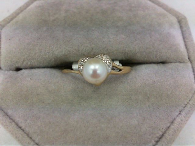 Pearl Lady's Stone & Diamond Ring 4 Diamonds 0.04 Carat T.W. 14K Yellow Gold 1.6