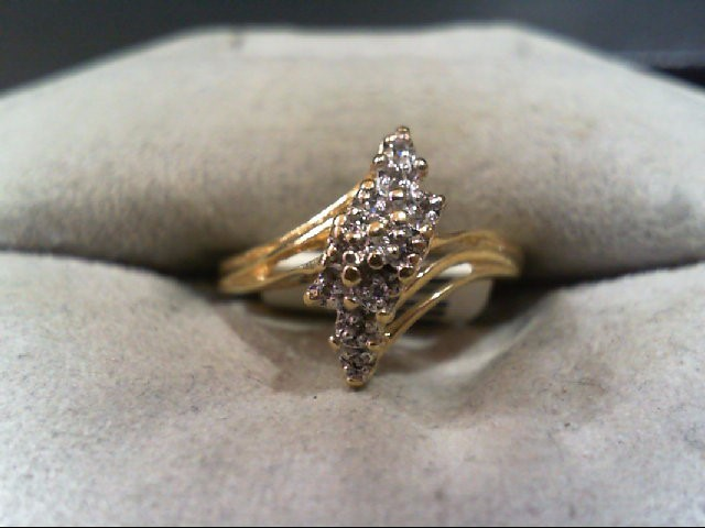 Lady's Diamond Cluster Ring 8 Diamonds .040 Carat T.W. 14K Yellow Gold 2g