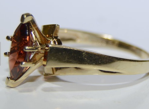 Almandite Garnet Lady's Stone Ring 10K Yellow Gold 3.2g Size:7