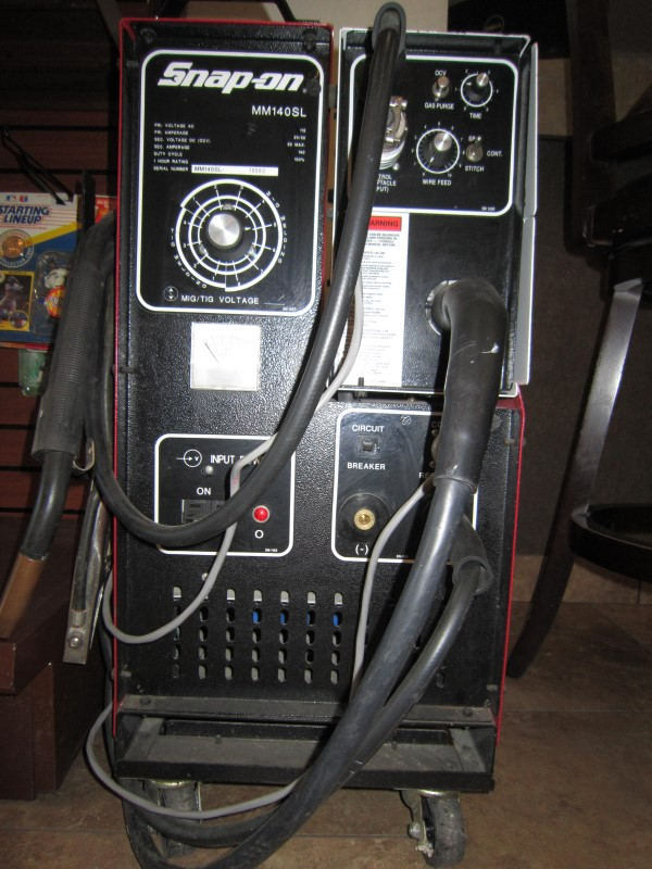 SNAP ON Wire Feed Welder MM140SL