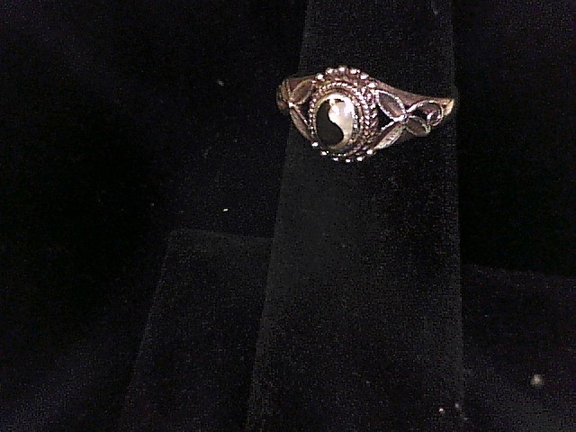 STERLING SILVER YIN AND YAN RING