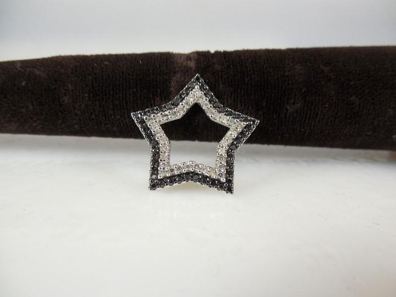Gold-Multi-Diamond Pendant 29 Diamonds .29 Carat T.W. 14K White Gold 2.5g
