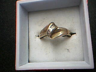 Lady's Diamond Cluster Ring 15 Diamonds .15 Carat T.W. 10K Yellow Gold 2.64g