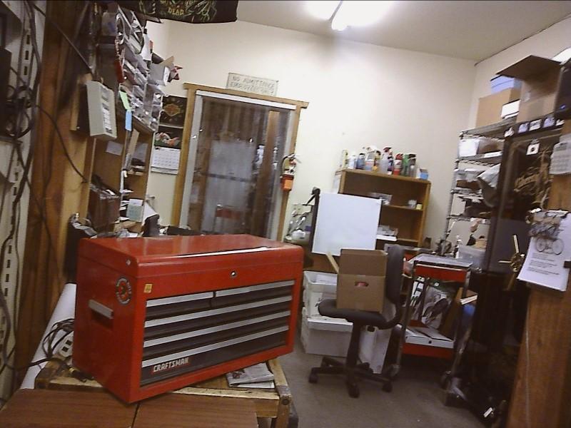 TOOL BOX: CRAFTSMAN 6 DRAWER TOOLBOX NO KEY