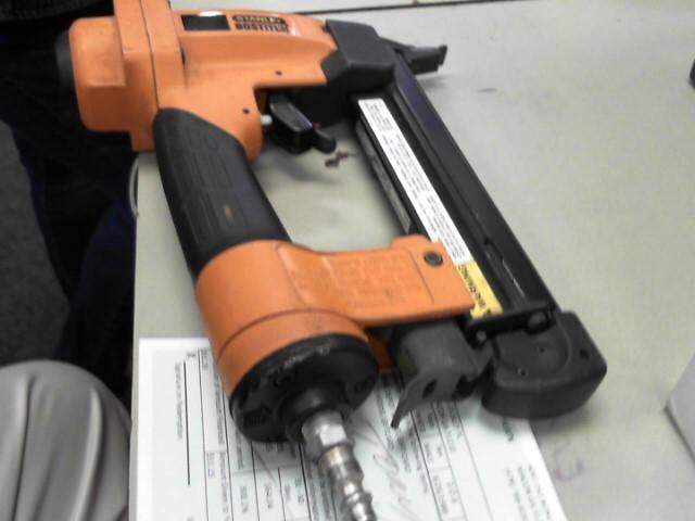 BOSTITCH Nailer/Stapler S32SX-1