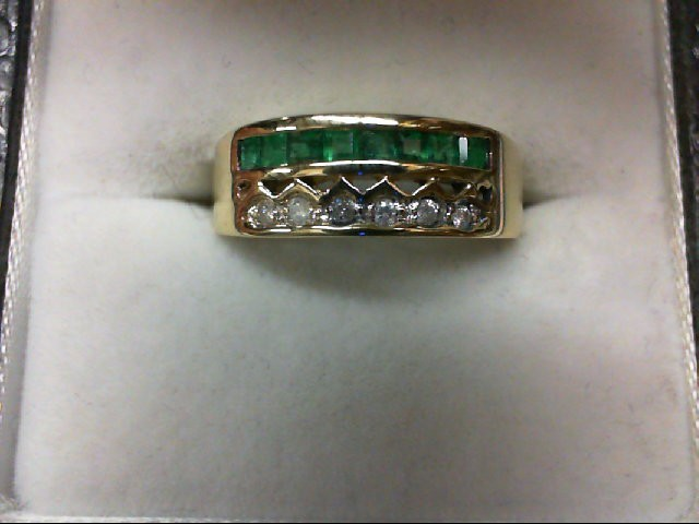 Emerald Lady's Stone & Diamond Ring 6 Diamonds 0.06 Carat T.W. 14K Yellow Gold 3