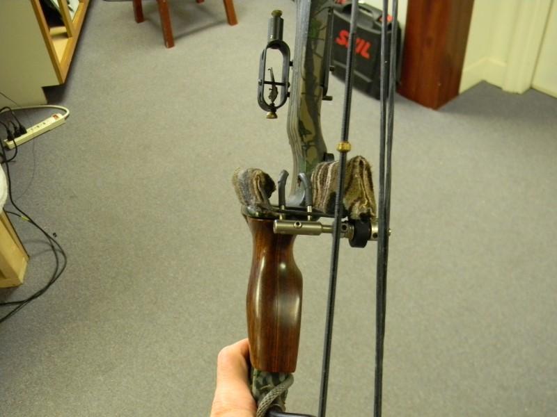 "High Country Supreme Compound Archery Bow 29"" DL 55-70lb DW"