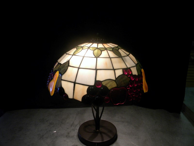 TIFFANY STYLE FRUIT LAMP