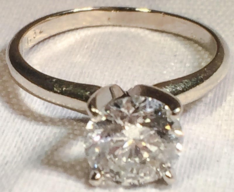 14K White Gold 4-Prong Round Brilliant Diamond Solitaire Engagement Ring sz 5.5