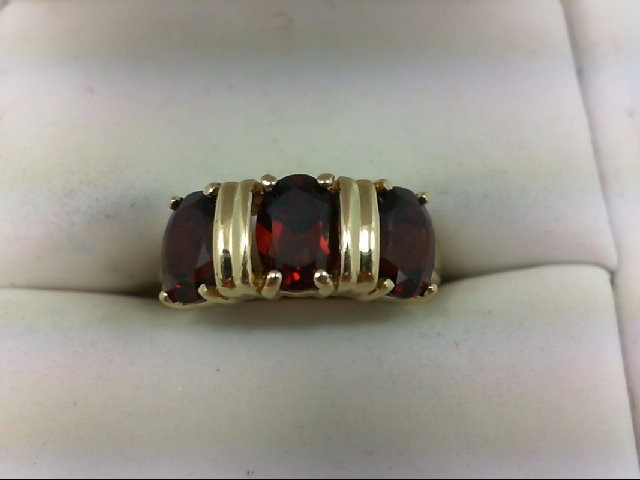 Almandite Garnet Lady's Stone Ring 10K Yellow Gold 3.3g