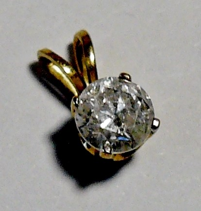 Gold-Diamond Solitaire Pendant .50 CT. 14K Yellow Gold 0.3dwt