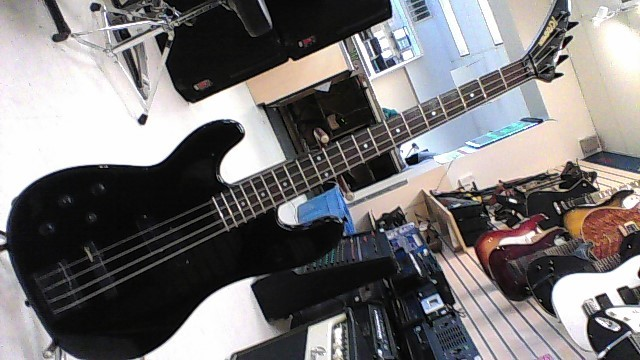 KRAMER BASS GUITAR BLK