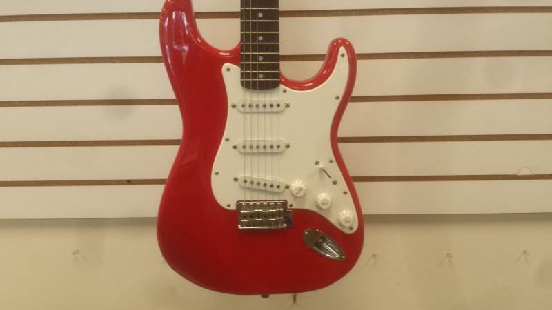 Fender Squier Strat 6-String Electric Guitar (Red)