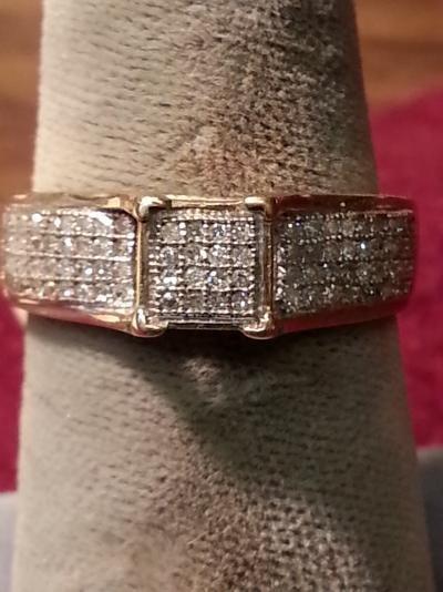 Lady's Diamond Fashion Ring 88 Diamonds .88 Carat T.W. 10K Yellow Gold 2.3dwt
