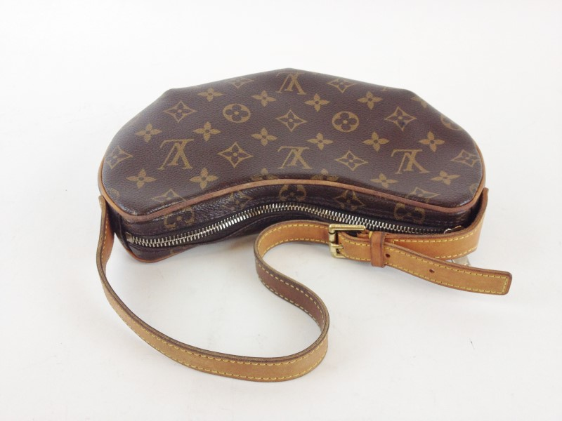 LOUIS VUITTON MONOGRAM POCHETTE CROISSANT PM BAG