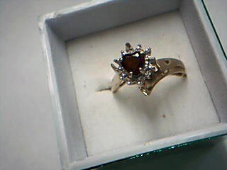 Pink Stone Lady's Stone Ring 10K Yellow Gold 1.07g