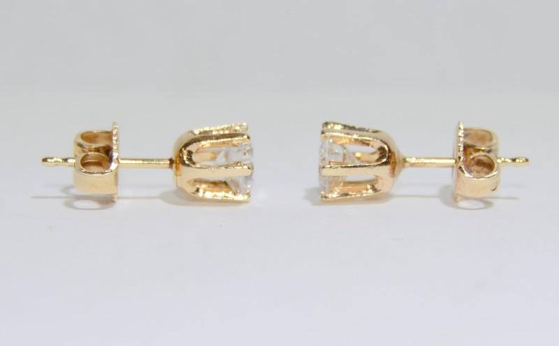Beautiful 14K Yellow Gold 1.2ctw Round Brilliant Diamond Stud Earrings