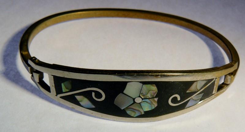 Floral Onyx Abalone Bangle Bracelet Silver Plate 9.38dwt