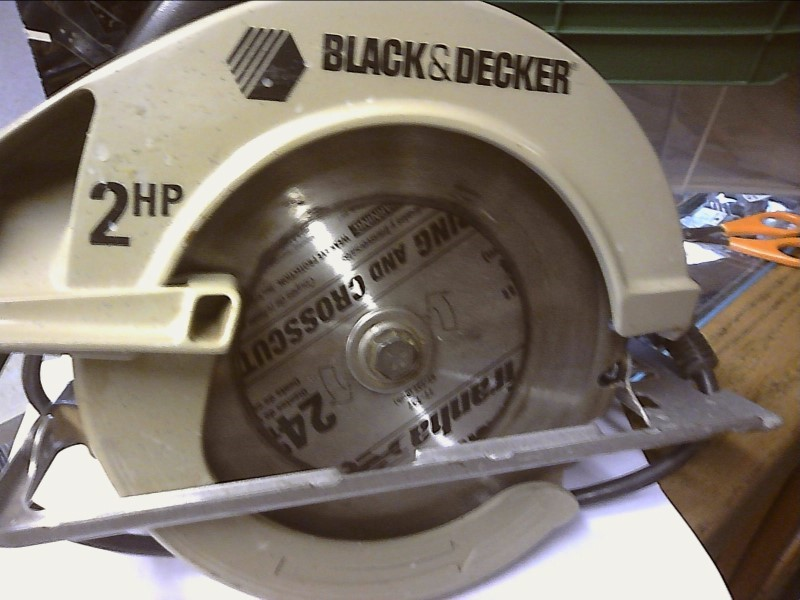 BLACK & DECKER Circular Saw 7358