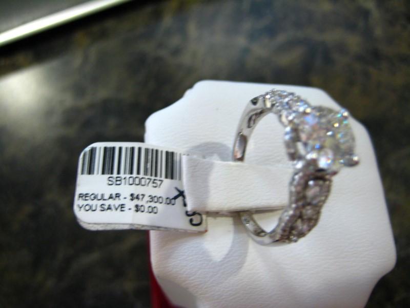 Lady's Gold Ring 14K White Gold 3.86g
