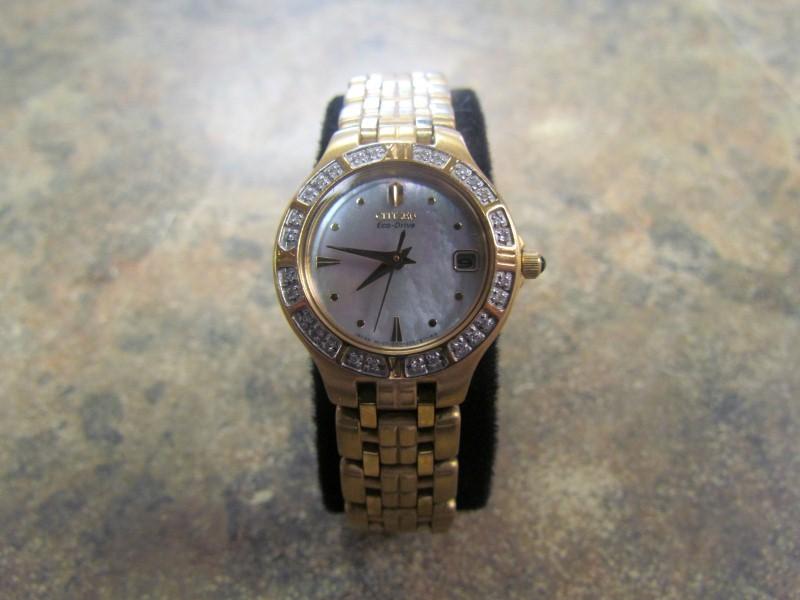 CITIZEN Lady's Wristwatch E011-S052471-KA