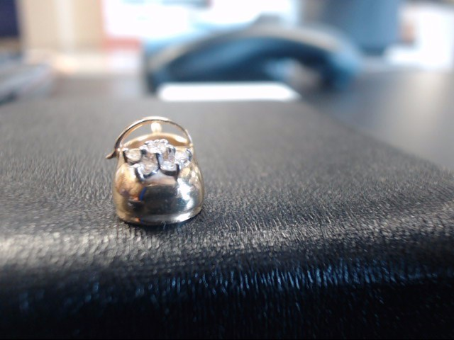 Gold-Multi-Diamond Pendant 6 Diamonds 0.24 Carat T.W. 14K Yellow Gold 3.1g