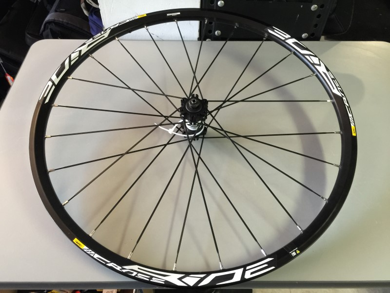 "MAVIC CROSSRIDE DISC 22.5"" 559x19C FRONT BICYCLE WHEEL"