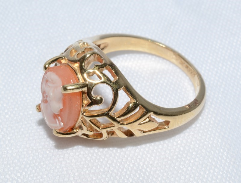 14K Yellow Gold Open Work Filigree Pink Cameo Dome Ring sz 5.5