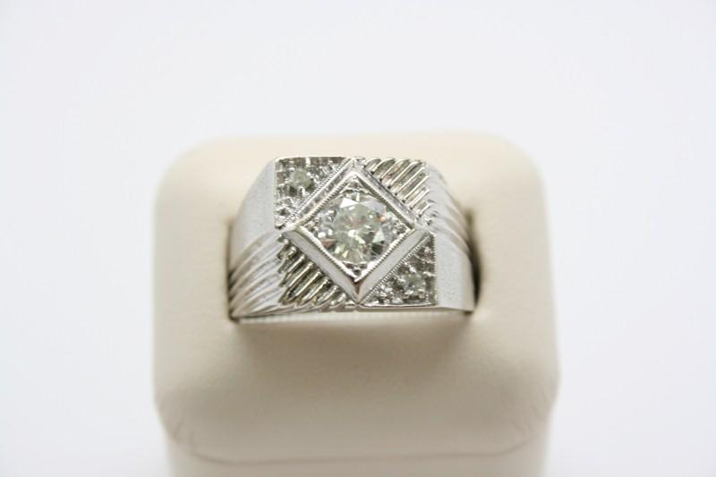 GENT'S 14K WHITE GOLD DIAMOND RING