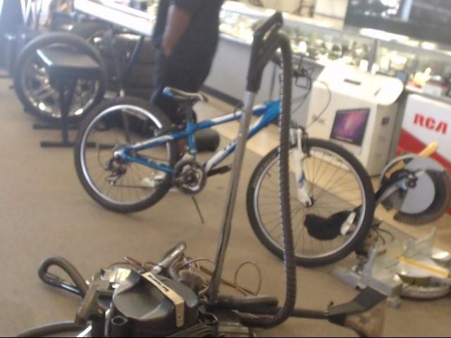 TREK Mountain Bicycle MT 220