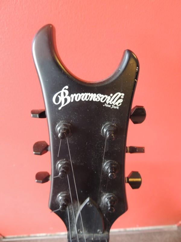 "BROWNSVILLE BAT BLACK GOTHIC ELECTRIC GUITAR ""BAT"" 24 FRETS"