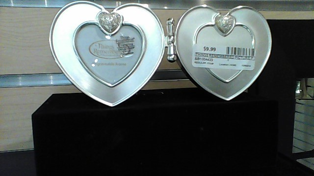 THINGS REMEMBERED HEART PICTURE FRAME