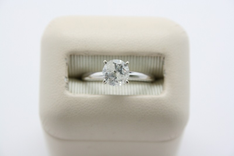 LADY'S SOLITAIRE DIAMOND  RING 14K WHITE GOLD
