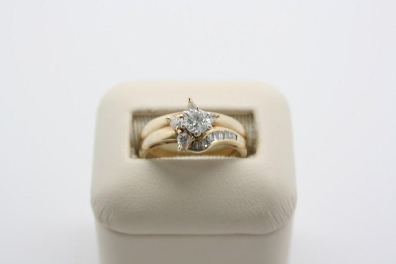 LADY'S DIAMOND WEDDING SET 14K YELLOW GOLD