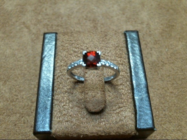 Lady's Silver Ring 925 Silver 1.25dwt