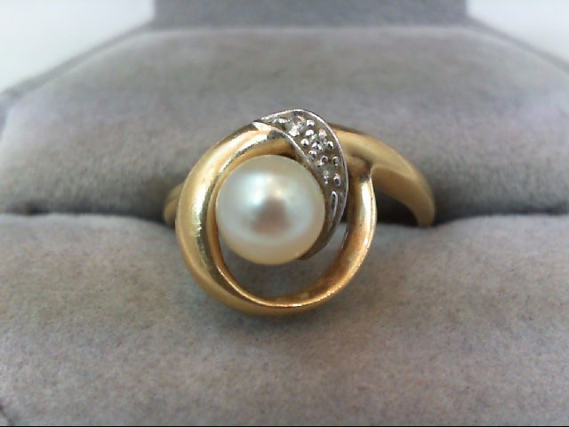 Pearl Lady's Stone & Diamond Ring 3 Diamonds .03 Carat T.W. 14K Yellow Gold