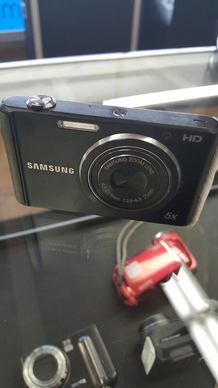 SAMSUNG Digital Camera ST76 DIGITAL CAMERA