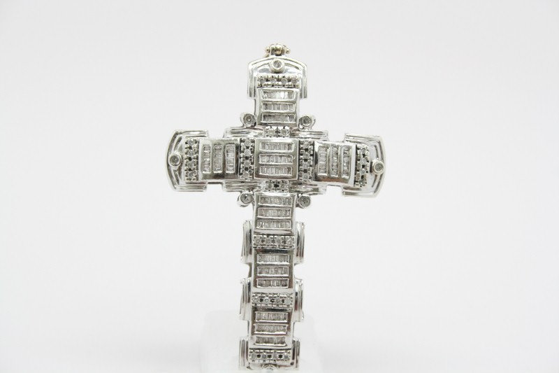 WHITE GOLD DIAMOND CROSS 21.0G 3.49CTW