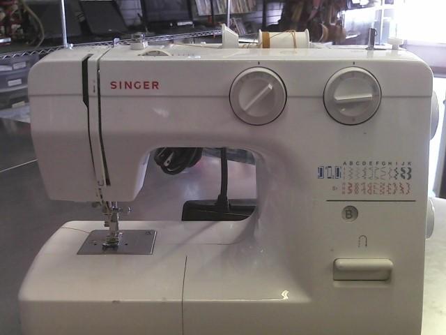 SINGER 1120 SEWING MACHINE