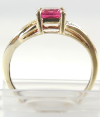 Red Stone Lady's Stone Ring 10K Yellow Gold 1.7g Size:9