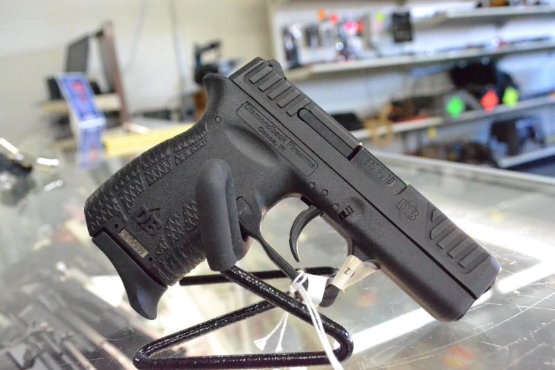 DIAMONDBACK FIREARMS Pistol D380