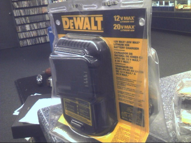 DEWALT Battery/Charger DCB101