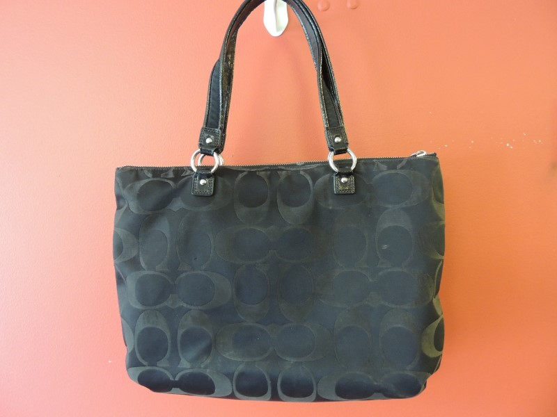COACH F20026 Black / Gray Daisy Signature TOTE Handbag Bag