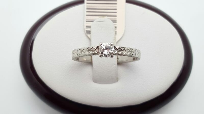 Lady's Platinum Diamond Fashion 7 Diamonds .31 Carat T.W. 950 Platinum 3.9g
