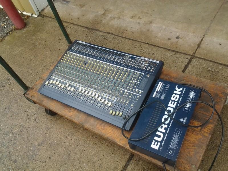 BEHRINGER Mixer EURODESK MX2442A